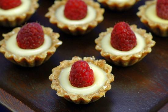 Raw Lemon Tartlets | A Dash of Compassion