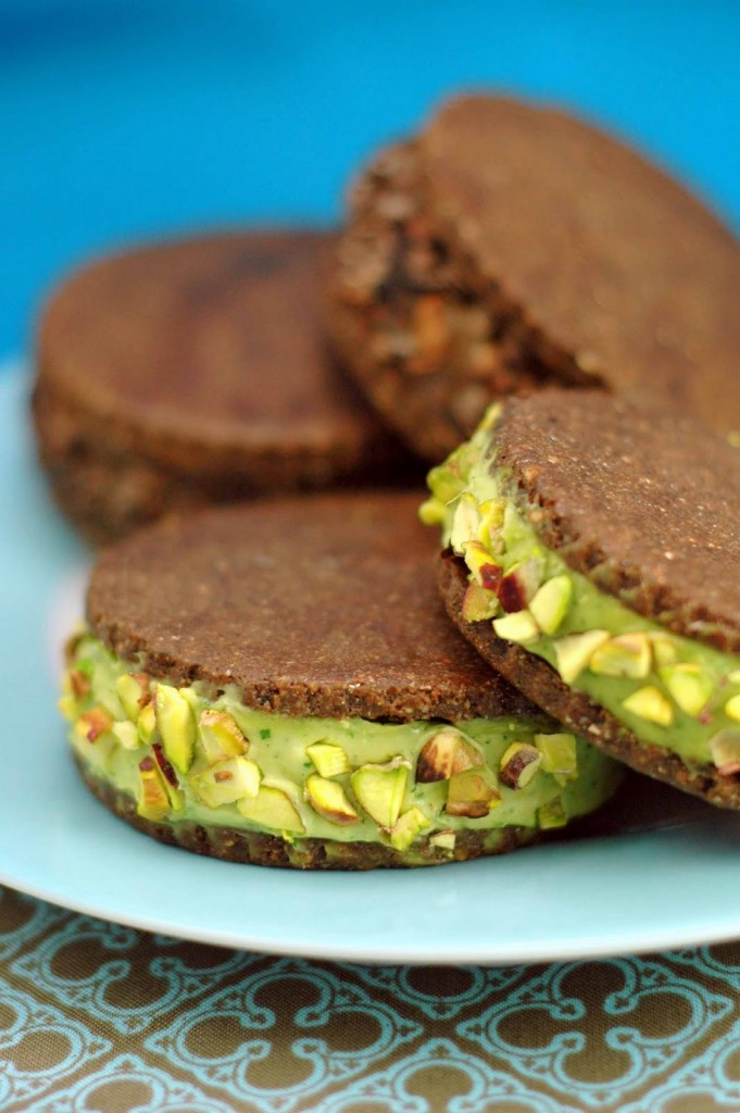 Raw Vegan Ice Cream Sandwich Cookies | A Dash of Compassion