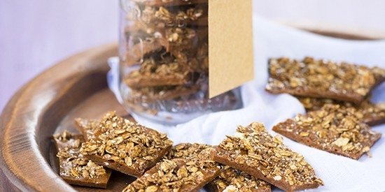 Gingerbread-granola-brittle-1