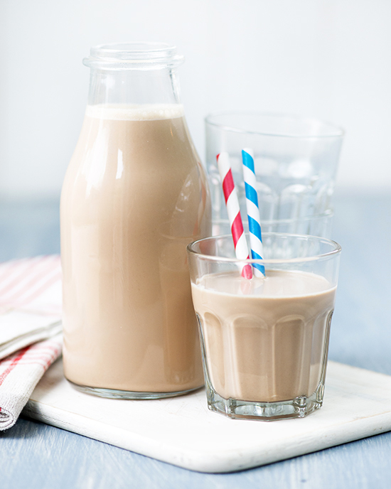 Spiced Chocolate Mylk from 100 Best Juices, Smoothies & Healthy Snacks | A Dash of Compassion