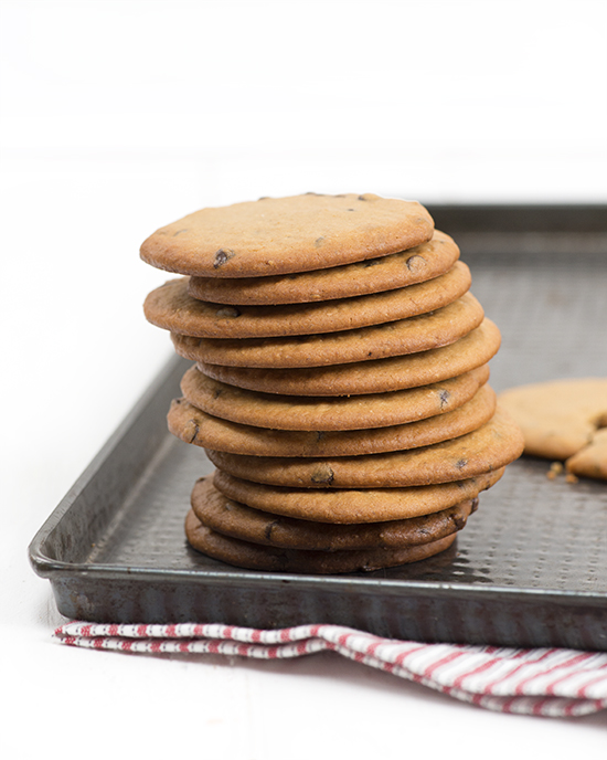Flourless chocolate chip cookies (psst... they're made with lentils!)   A Dash of Compassion