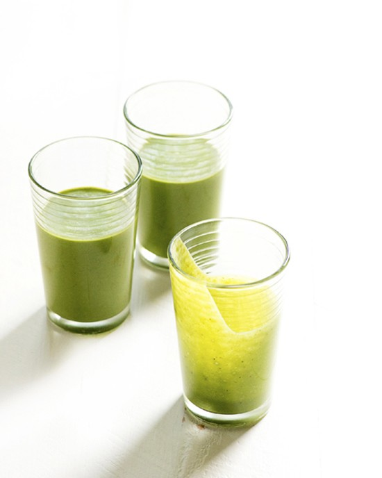 My Go-To Green Smoothie | A Dash of Compassion